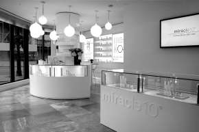 miracle10 Store Display black and white
